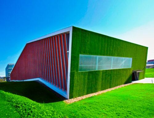 Césped en cubierta y fachadas UPV de Leioa