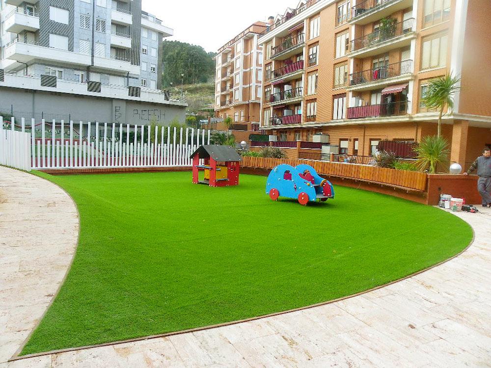 C sped artificial y tarima sint tica en sopelana - Cesped artificial terraza ...
