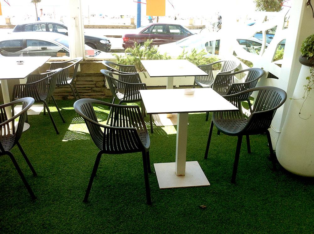 C sped artificial en terraza de hotel restaurante los for Terrazas de