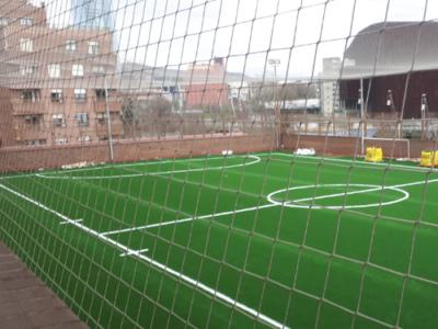 Campo de fútbol de césped hierba artificial en Deusto Bilbao