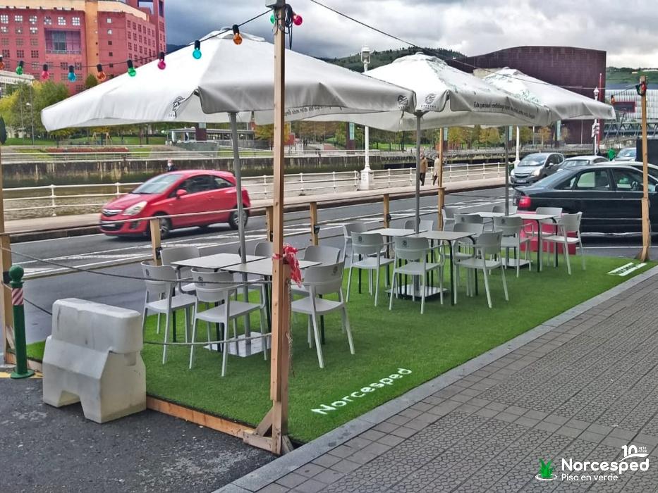 césped artificial terraza bar Satélite T